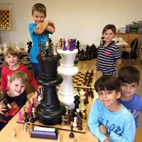 Spannende Halb- und Ganztagscamps Schach und Fussball/Badminton, Exciting half and whole day camps chess & soccer/badminton