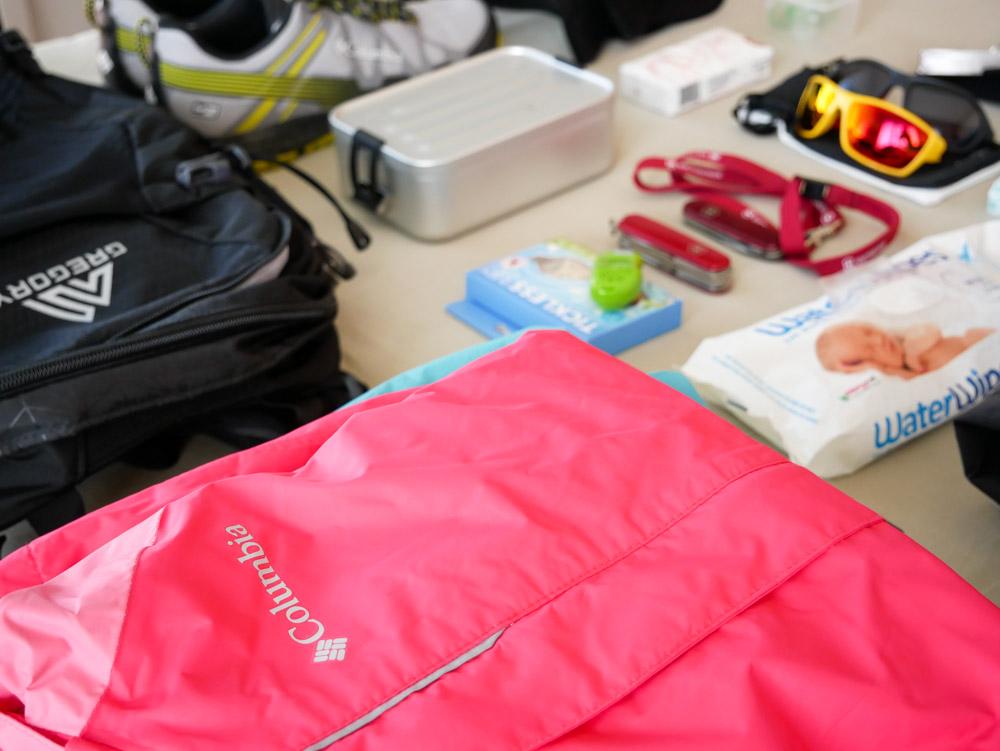 Packliste fürs Wandern mit Kindern in der Schweiz
