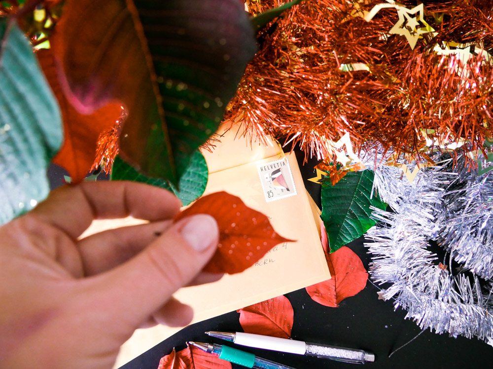 Writing Christmas cards DIY